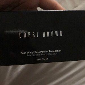 Bobbi brown powder foundation